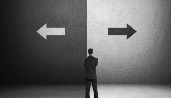 How do I Choose Between a Will and a Trust